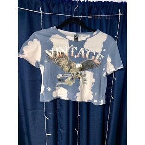 """Windsor """"Vintage"""" """"Born to be Free"""" Cropped Tee"""